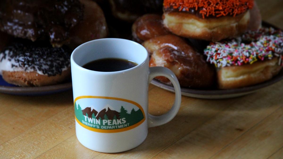 Twin Peaks Sherrif Department Mug with Doughnuts